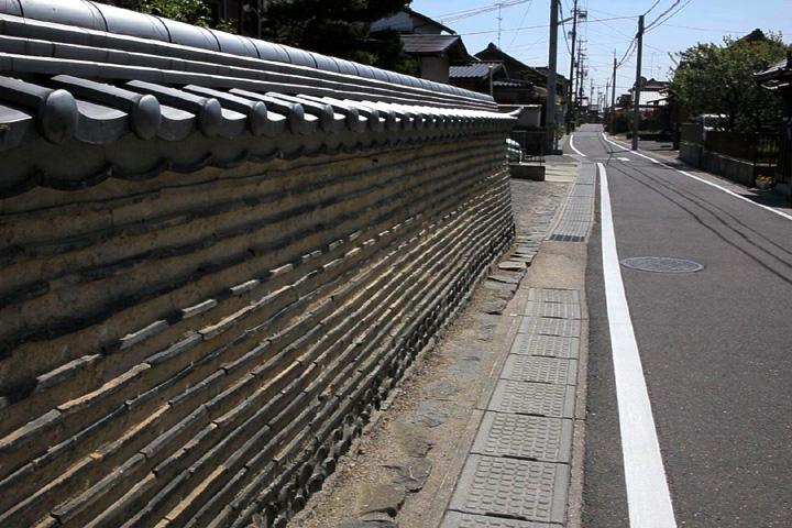 上野を行く伊勢街道