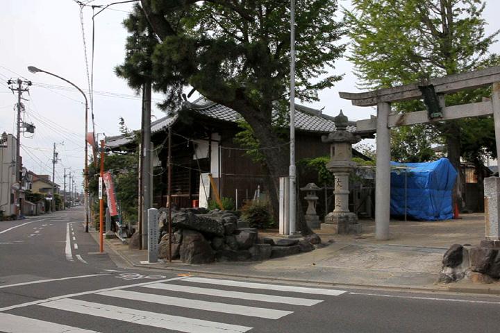 閻魔堂(眞教寺)と市杵島姫神社