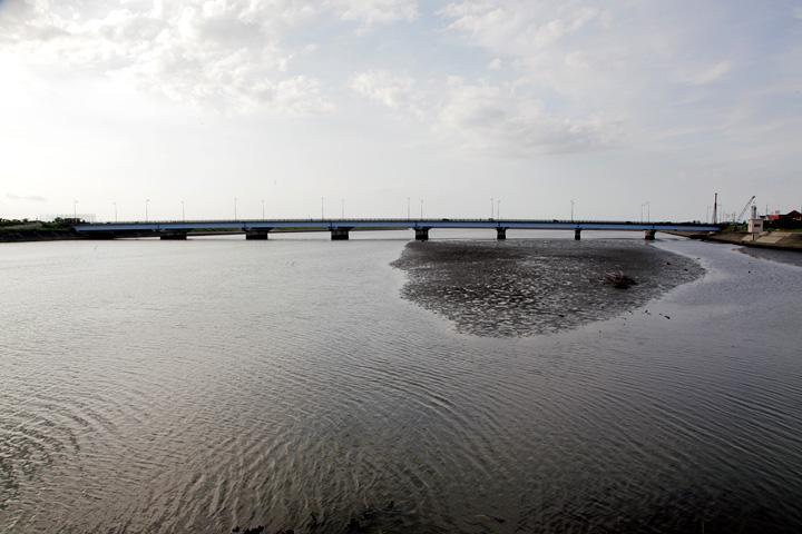 五十鈴川河口付近 伊勢湾方面