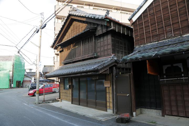 今江家 母屋は天保13年(1842)建造の元菓子問屋松本商店