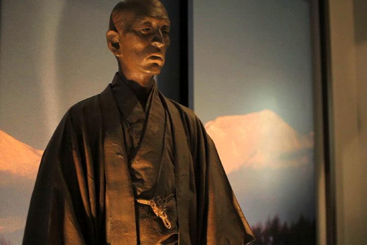 松浦武四郎像(松浦武四郎記念館)
