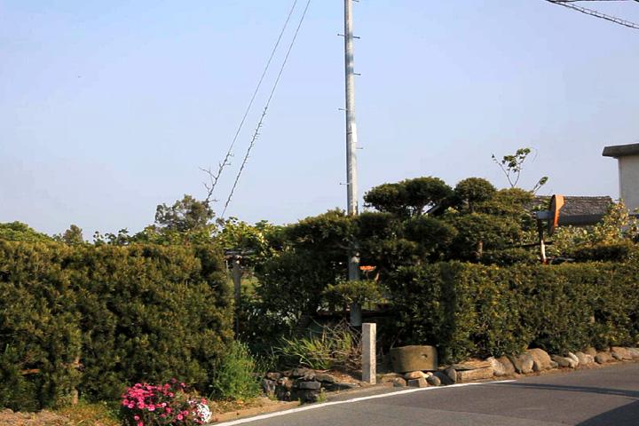 小津一 里塚跡と碑