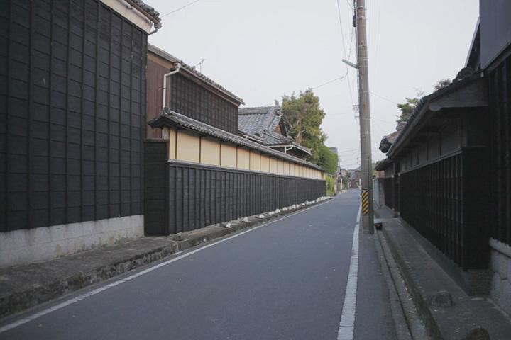 長屋門のある家(久米)