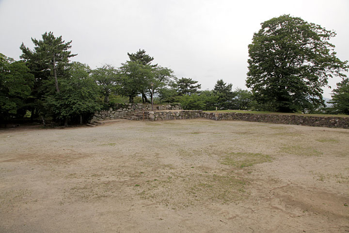 1588年に蒲生氏郷によって築城された