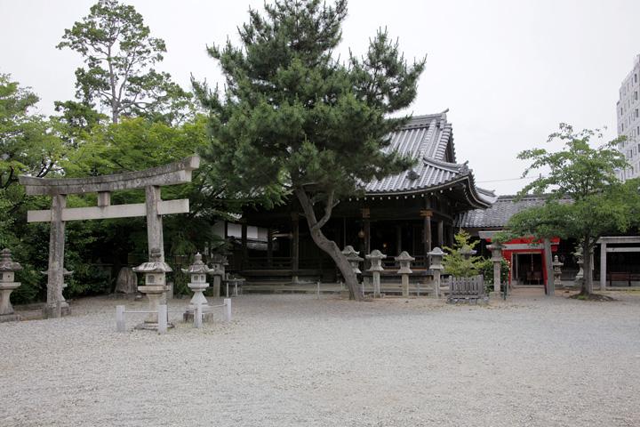 八雲神社 蒲生氏郷によって松ヶ島城から遷社