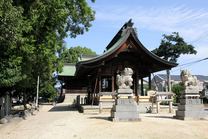 十所社 平田寺はこの西側にある