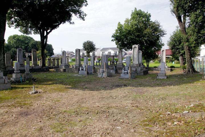 生駒家の墓地
