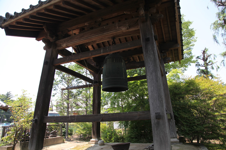 禅源寺の鐘楼