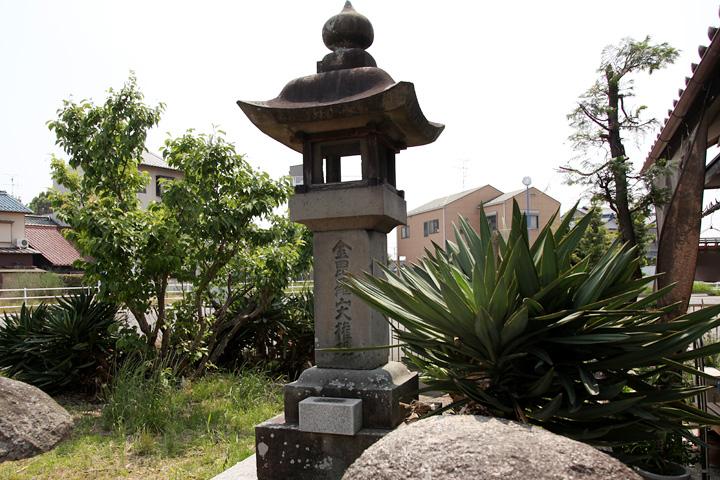 及が橋石灯籠