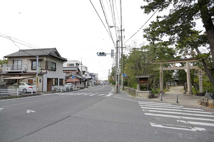 豊石神社と師崎街道