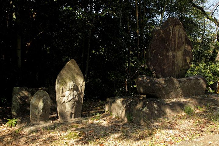 寺坂にある芭蕉句碑