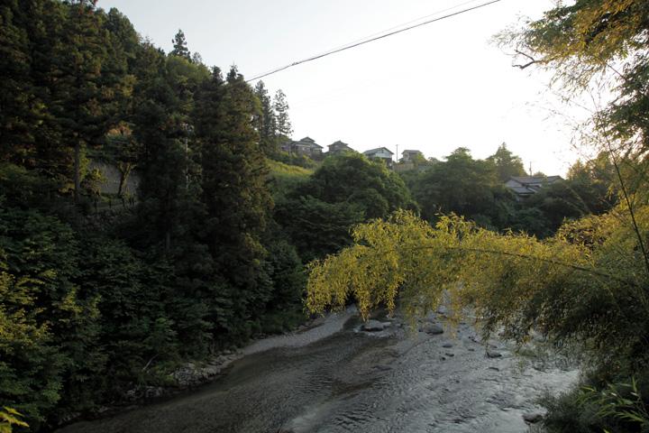 高札場跡付近の落合川