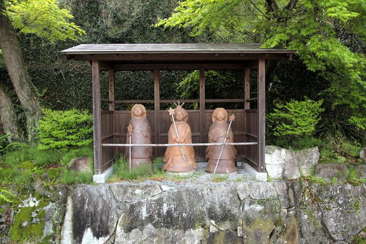 皇女和宮一行の人形-大湫宿本陣跡前