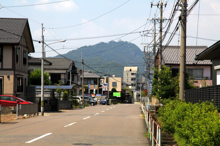 領下から見た岐阜城