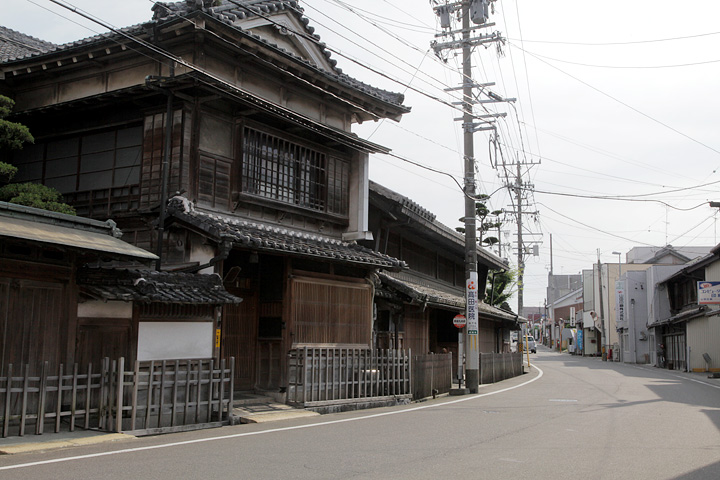 矢橋家の母屋は登録文化財に指定されている