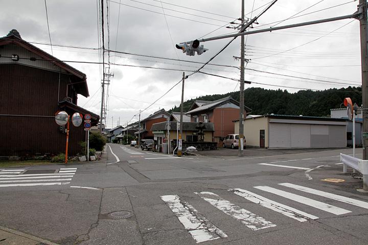 今須宿西の入口