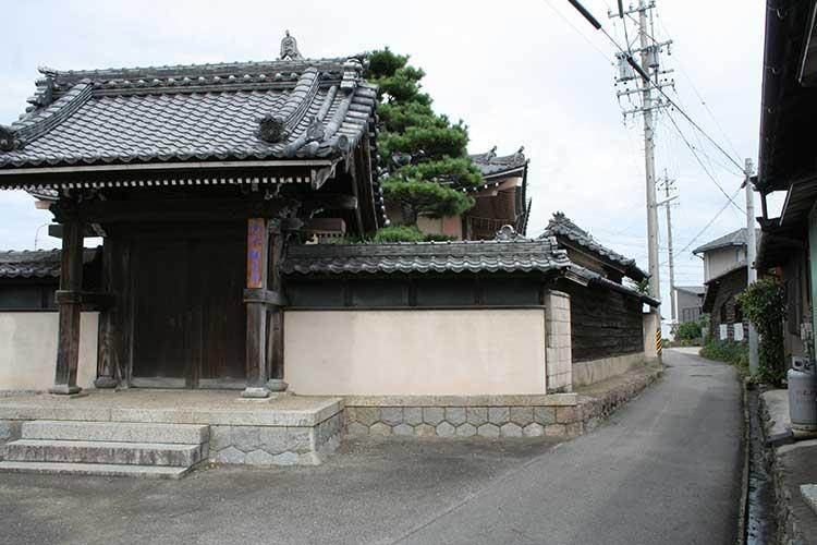 観音寺と大浜街道