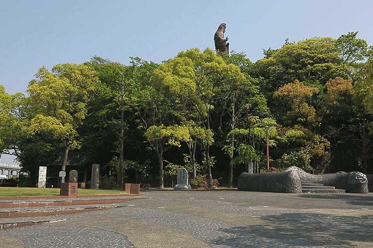 森前公園から見た衣浦観音