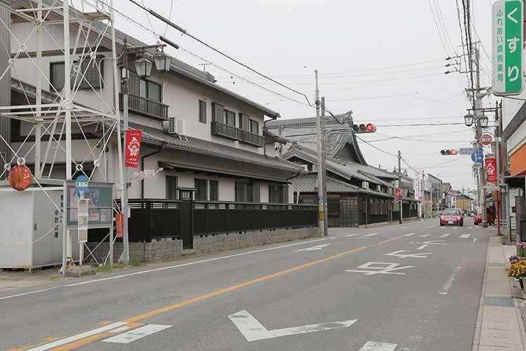 妙福寺前の道