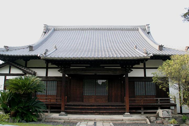 長母寺本堂