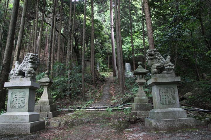 内々神社奥の院参道