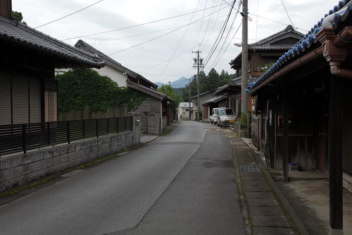 関町市瀬の町並み