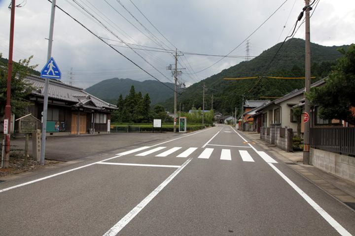 坂下宿松屋本陣跡付近