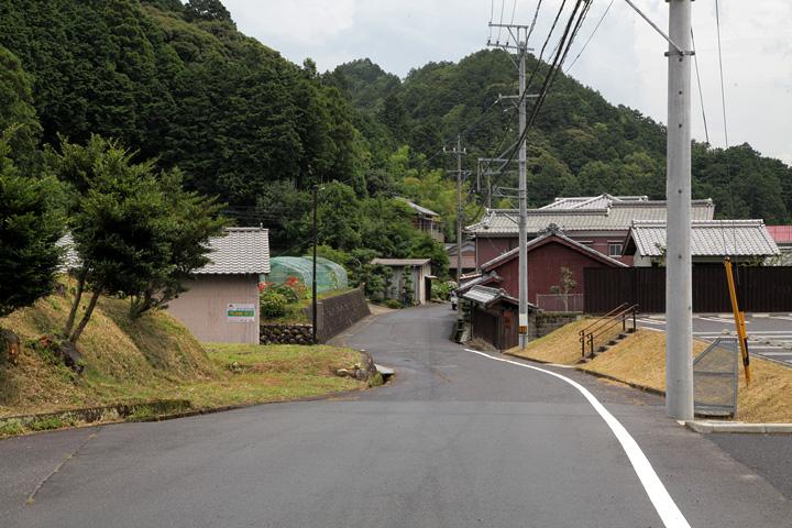 鈴鹿峠自然の家付近の東海道