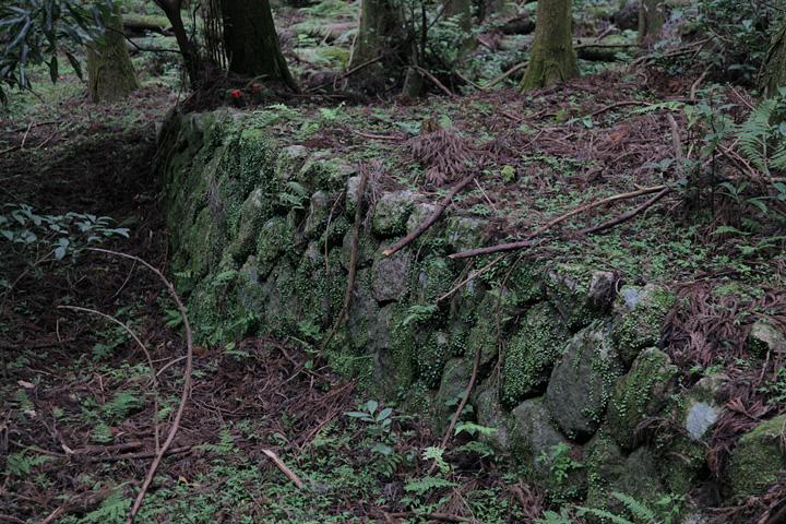 宿場の名残を残す石垣