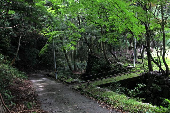 片山神社前