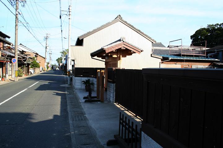 本陣跡付近の東海道
