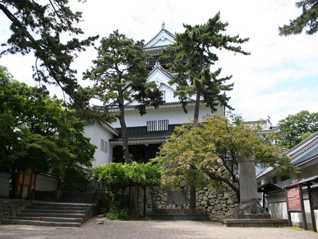 岡崎城-1542年に徳川家康が生まれた城。桶狭間の戦い後、 家康は岡崎城を取り戻した