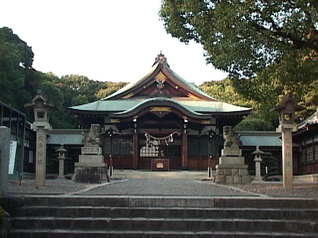 成海神社-もとは根古屋城(鳴海城)あった場所に位置していたが、 築城のため現在地に移転された