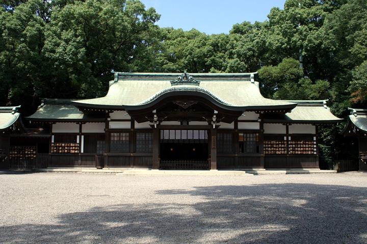 熱田神宮境内に移された上知我麻神社
