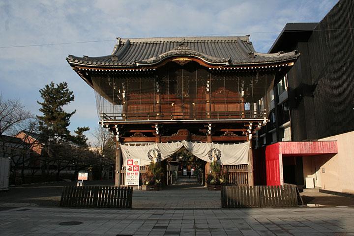 春日神社 桑名神社と中臣神社の両社を合わせて桑名宗社といわれている