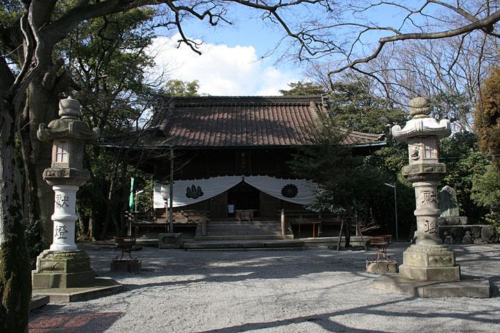 城南神社- 伊勢神宮の遷宮ごとに内宮の一の鳥居と古殿舎の一部が 贈られ改築される