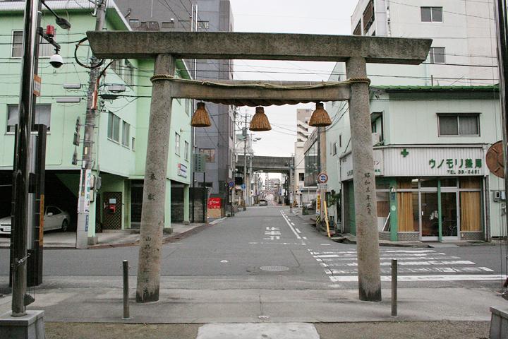 鵜森神社参道