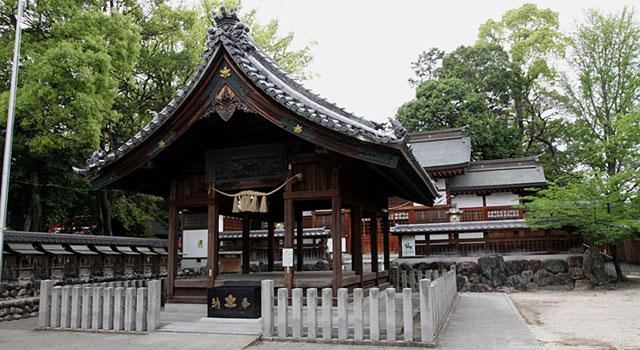 味鋺神社本殿
