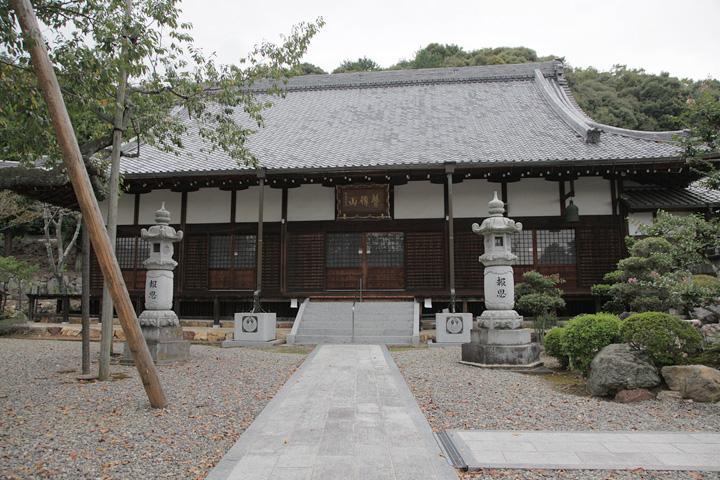 真禅寺(鳩吹山の登り口がある)