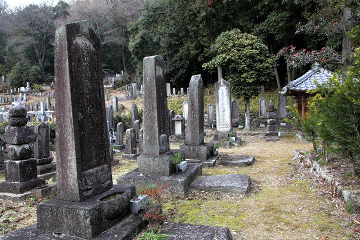 東禅寺 千村家歴代の墓所