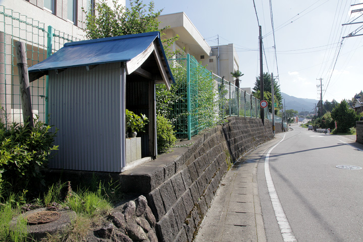 加太小学校前の地蔵