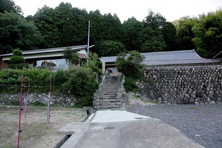 常光寺の背後に鍛冶坂城があった