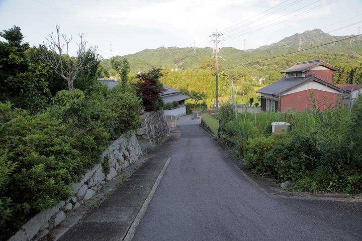 加太川へ下りる大和街道
