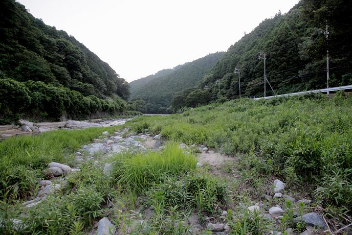 大和街道は加太川に沿って関宿へ向かう