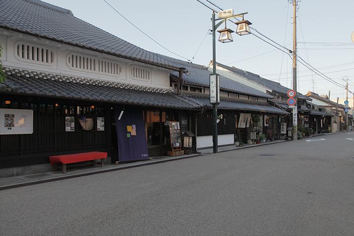 伊賀街道沿いの虫籠(むしこ)窓の家