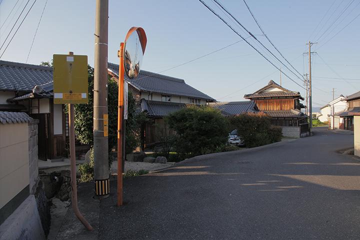 地蔵堂前の大和街道