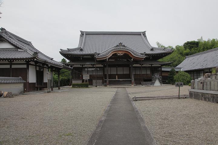 萬寿寺 松尾芭蕉の生家、松尾家の菩提寺