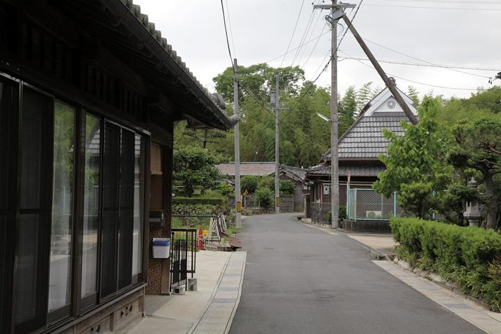 島ケ原宿西の入口付近