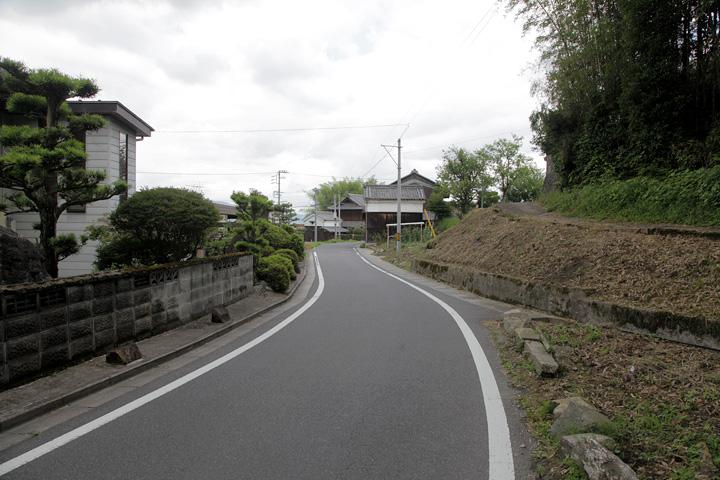 長田を行く大和街道