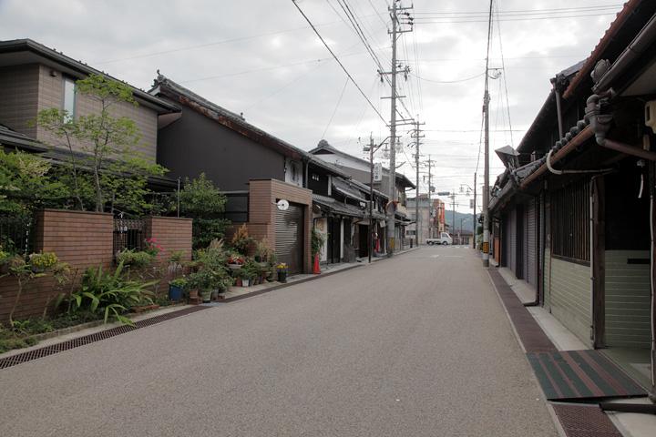 上野向島町あたりの大和街道